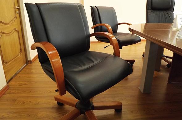 Выбираем стулья в офис